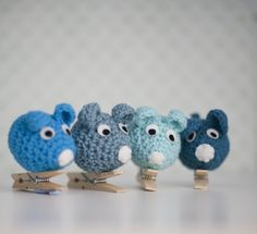 Mice-pin, ideal for gift wrapping, showing photos and children pictures...