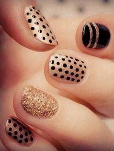 Simple & Chic Black + Gold Nail Art #ahaishopping