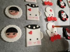 How to make winter cupcake toppers • CakeJournal.com