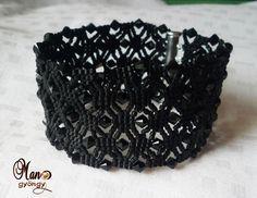 Neat bracelet with schema