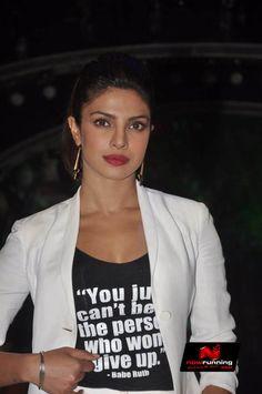 Priyanka Chopra promotes 'Mary Kom' on Jhalak Dikhhla Jaa