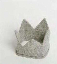 knit kids crown