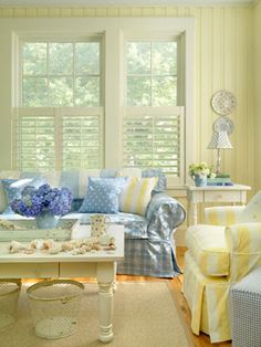i love blue and yellow and white!