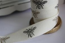 20mm Bees Vintage Print   100% Cotton