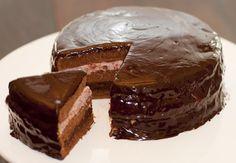 Dedo de Moça: Bolo de Aniversário de Chocolate e Framboesa