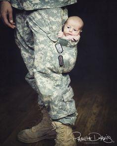 LOVE military baby photos.