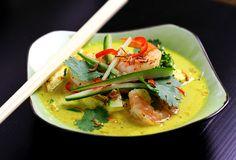 Chicken & Prawn Thai Laksa from scratch. Zucchini noodles FTW!