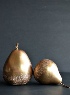 holiday, diy gold, crafti, diy crafts, diy fruits, christma pear, glitter pear, gold christmas, decor kelli
