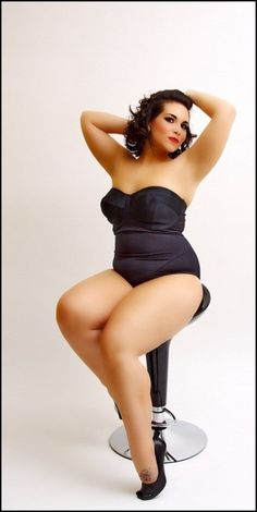 Pin up girl. Plus Size, curves, voluptuous, beauty boost, fashion, style, outfit, inspiration.  #plussize #beautyboost
