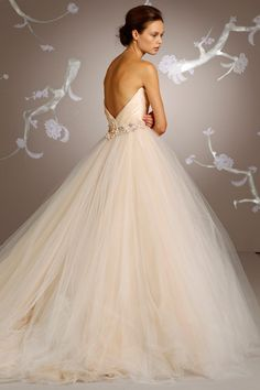 lazaro gown. beautiful