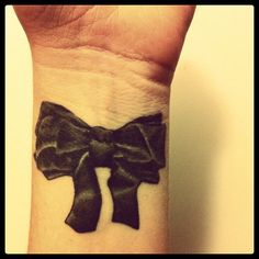 bow tattoo. I live the realistic shading, but not in black.
