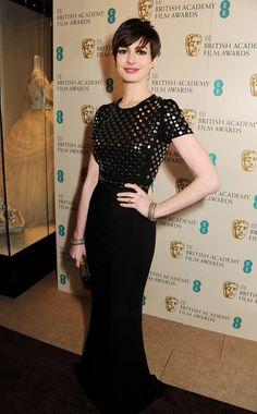 Anne Hathaway burberry, british, celebr fashionsuch, bafta award, red carpet, dress bafta, ann hathaway, hair, anne hathaway