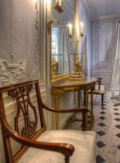 Bathroom of Marie Antoinette, Versailles.