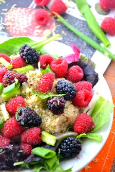 Quinoa Berry Salad via @TheHealthyApple