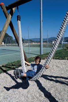 Jungle rope swing