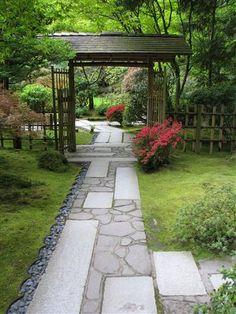 Beautiful Japanese garden path in Portland's Japanese Garden // Great Gardens & Ideas //