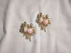 Love birds Brooches Pink and cream colored by sharalavintageJewels, $30.00