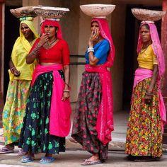 Women on the street in New Delhi by Jetse Teensma