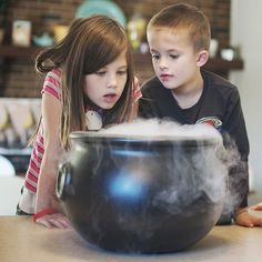 spooky homemade root beer with dry ice #diy #recipe