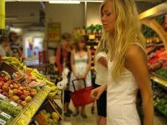 How to shop and organize your kitchen for weight loss.