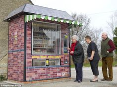 Genius-a giant vending machine specifically designed to replace an entire grocery store.