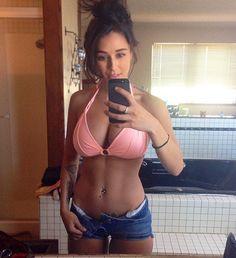 Fit bikini babe selfie