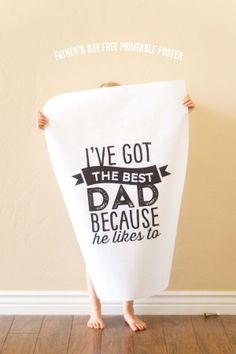 Free printable Father's Day poster. Cute idea for kids!