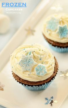 Frozen Cupcakes and Other Party Ideas for a FROZEN themed party!!!