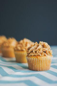 suz bakes: caramel butter cupcakes.