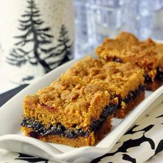 Cherry Graham Crumble Bars - graham cracker crumbs in buttery fruit crumble bars is a novel but delicious idea!