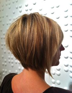 Tapered Bob haircut: if I ever get brave enough to chop all my hair off, this would be how I'd do it.