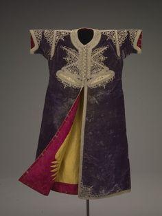 Bride's wedding kaftan, Moroccan, 1800-1850. Indianapolis Museum of Art.