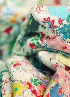vintage beauty, vintag quilt, vintage quilts, vintage fabrics, happy colors, fade vintag, cheer color, floral, vintage linen