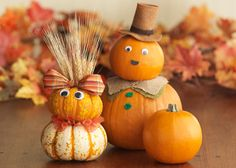 Autumn decorations don't get much cuter than this Pumpkin Family!