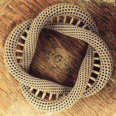 """Print3d World: Impresión 3D de cerámica en """"Medalta"""".http://www.print3dworld.es/2013/07/impresion-3d-de-ceramica-en-medalta.html  Fotografía y vídeo de Luke Fandrich."""