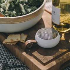 The KREAFUNK aGo speaker fits right in your pocket! Bring it wherever you go, whether it is an outdoors picknick or a garden party.  The chic and elegant look combines with great sound to enjoy your favourite tunes on the go!