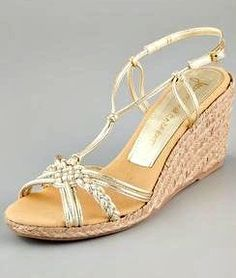 http://www.shescribes.com/2012/05/cute-summer-wedge-sandals-at-shopbop-100-gift-card-giveaway-ends-51412.html/comment-page-4#comment-190326