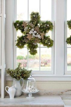 Beautiful snowflake wreath_Yellow Rose of Friendship