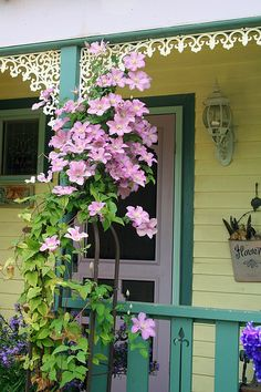 some pretty gingerbread with Clematis