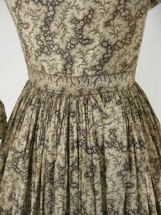 "Authentic Civil War 1860s Vintage Cotton Print Victorian Day Dress Ivory Brown | eBay. Piping on neckline & armscye, sewn in bodice boning, long pocket inside skirt. Waist: 26""; Shoulder width; 17""; waist to hem; 37"". cotton, civil war, cloth 1850s, 1860s, ebay, era, day dresses, prints, victorian print"