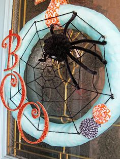 Halloween Spider Wreath DIY - easy instructions included