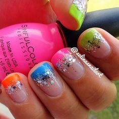 Glam nails? We <3 it!  #nail #nails #nailart