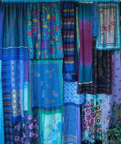 Must make some patchwork curtains for the kitchen cupboards.  This one lovely. DREAM MERCHANT - Handmade GYPSY Curtains.