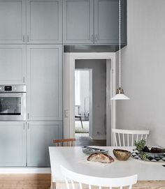 Kitchen in white and