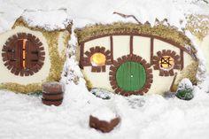 Sprinkle Bakes: Gingerbread Hobbit Hole- CUTE!