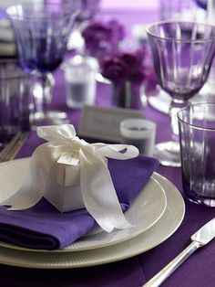 Purple place setting #table #wedding