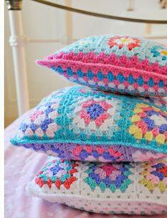 Helen Philipps: crochet pillows