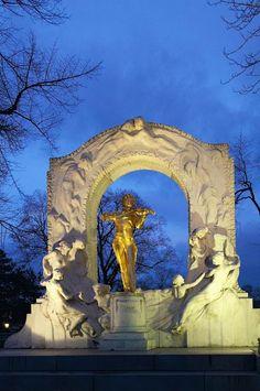Statue of Johann Strauss-Vienna, Austria