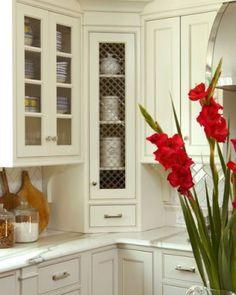 storage spaces, elle decor, chicken wire, kitchen corner, corner cabinets, country kitchens, farmhouse kitchens, kitchen remodel, kitchen cabinets
