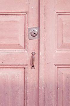 pink door <3